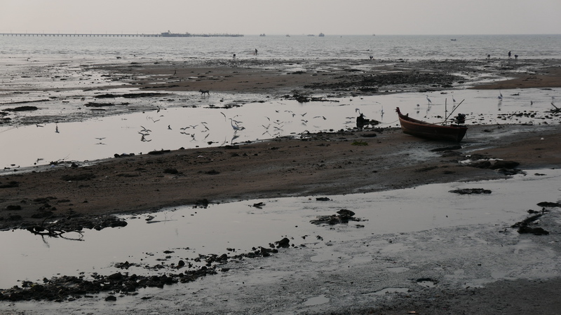 Low-Tide in Naklua